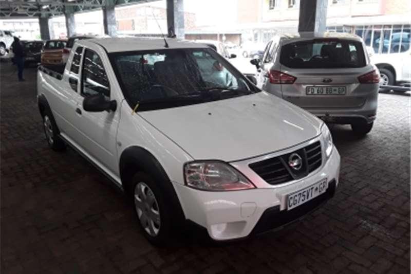 2013 Nissan NP200 1.6i (aircon)