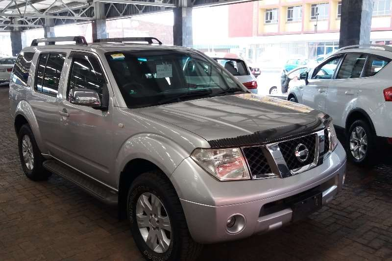Nissan Pathfinder 4.0 V6 LE Automatic 2005