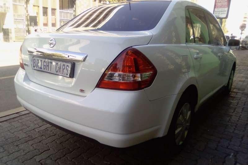 Nissan Tiida sedan 1.6 Visia 2012