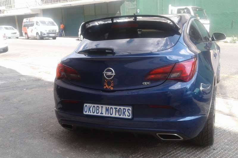 Opel Astra 2.0 Turbo Sport 2013