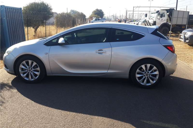 Attractive Opel Astra GTC 1.6 Turbo Sport 2014