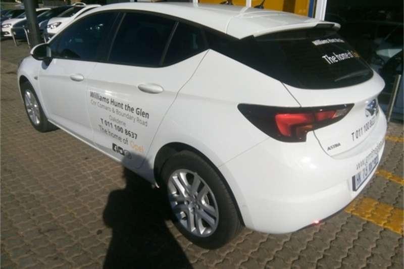 Opel Astra hatch 1.0T Essentia 2018