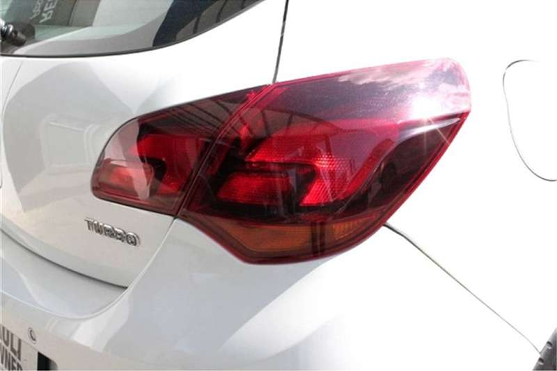 Opel Astra hatch1.6 Turbo Sport 2011