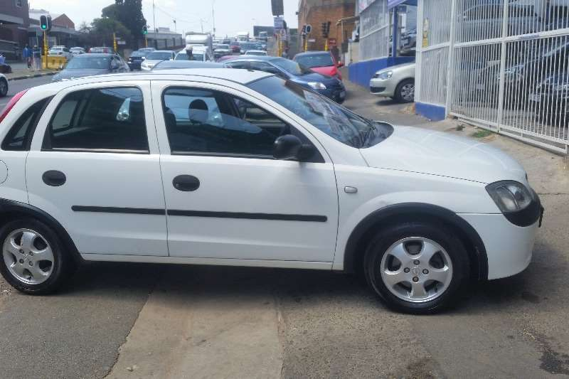 2006 opel corsa 1 4 enjoy hatchback petrol fwd manual cars for sale in gauteng r 57. Black Bedroom Furniture Sets. Home Design Ideas
