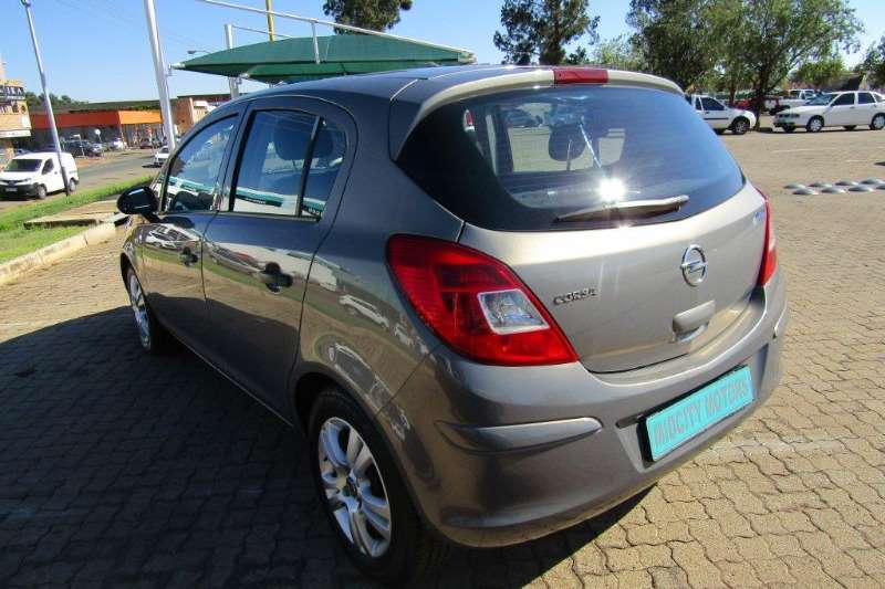 2011 Opel Corsa 14 Essentia Hatchback Fwd Cars For Sale In