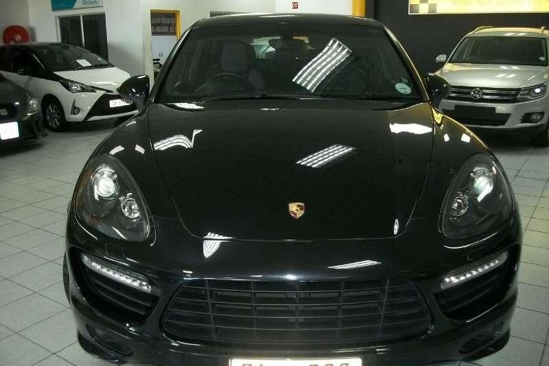 Porsche CAYENNE GTS tiptronic 2013