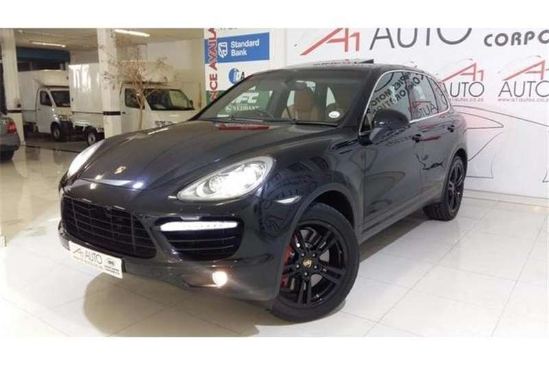 2011 porsche cayenne cayenne turbo crossover suv awd cars for sale in gauteng r 599 000. Black Bedroom Furniture Sets. Home Design Ideas
