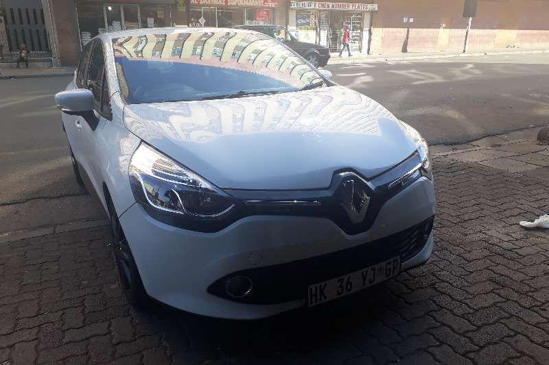 2013 renault clio 1 4 extreme limited edition 5 door hatchback fwd cars for sale in gauteng. Black Bedroom Furniture Sets. Home Design Ideas