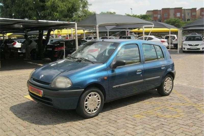 Renault Clio 1.4 RT 1999