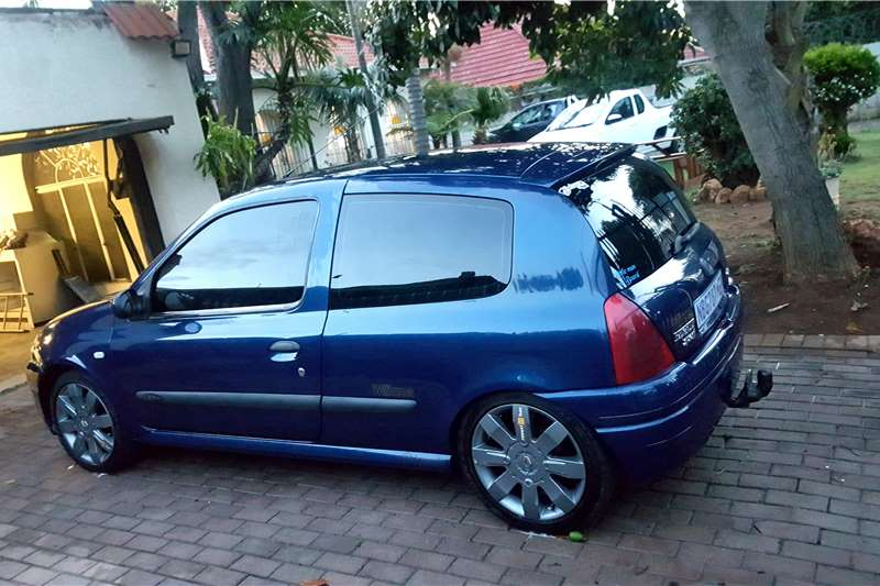 2002 Renault Clio Cars for sale in Gauteng | R 50 000 on ...