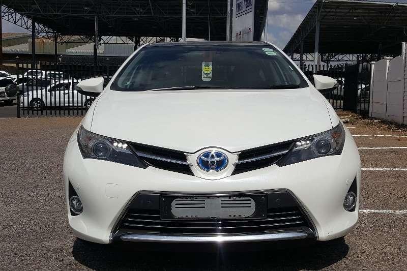 Toyota Auris Hybrid XR 2014