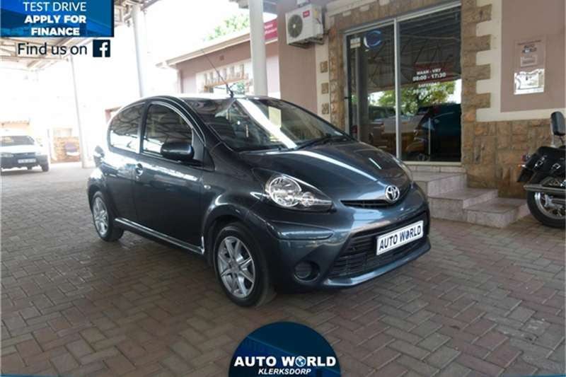 2013 Toyota Aygo 5 Door 10 Wild Hatchback Petrol Fwd Manual