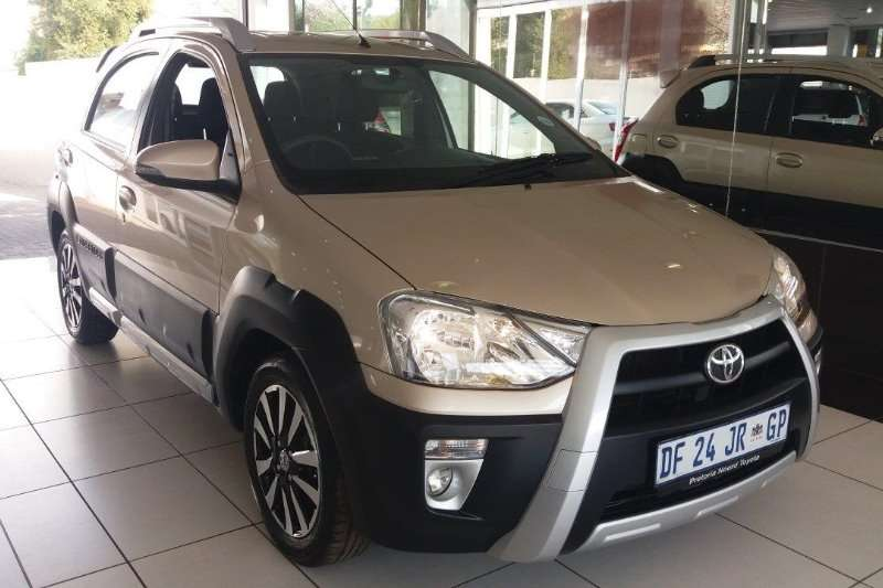 Toyota Etios Cross 1.5I XS 5 Door Manual 2014