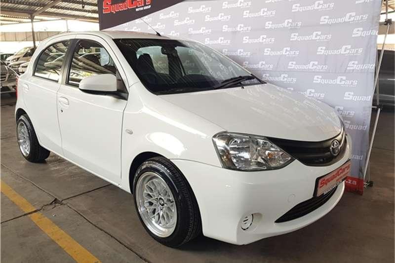 Toyota Etios hatch 1.5 Xi 2016