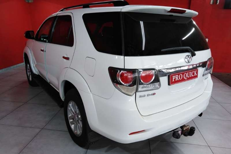 Toyota Fortuner 2015 Toyota Fortuner 3.0d 4d 4x4 A/t 2015