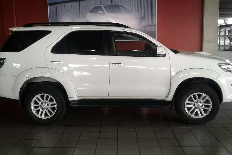 Toyota Fortuner 3.0D 4D 4x4 2012