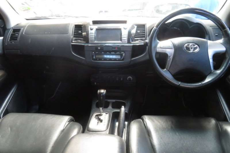 Toyota Fortuner 3.0D 4D 4x4 automatic 2014