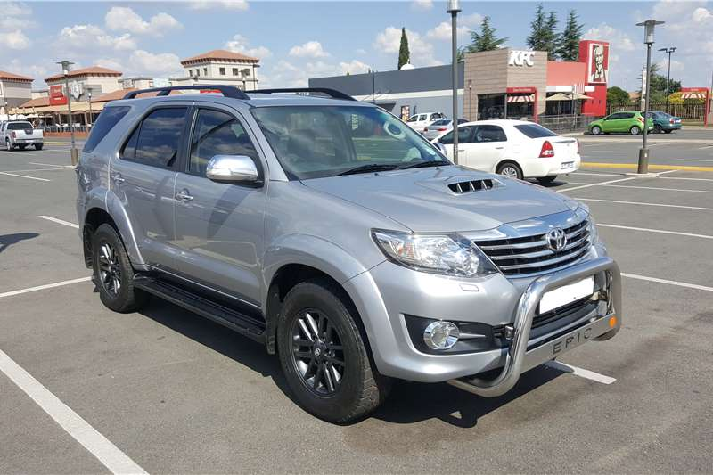 2015 toyota fortuner 3 0d 4d 4x4 epic crossover