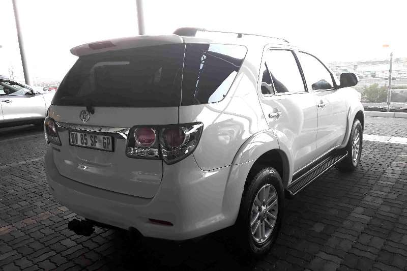 2015 Toyota Fortuner 3 0D 4D automatic Crossover SUV RWD Cars