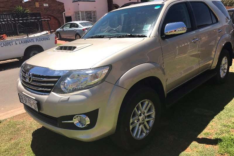 2016 Toyota Fortuner 3 0D 4D automatic Crossover SUV RWD Cars