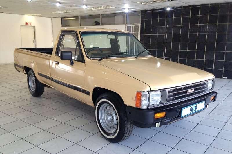 Toyota Hilux 1800 SR P/u S/c 1987