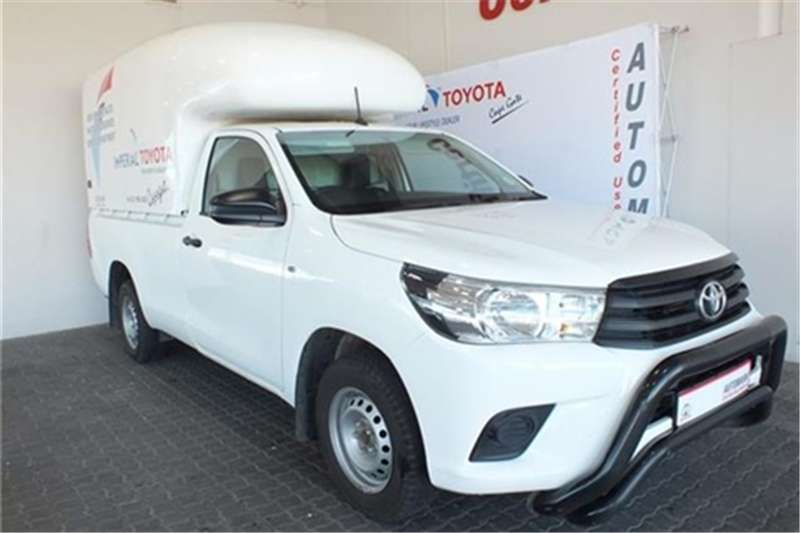 Toyota Hilux 2.4GD (aircon) 2017