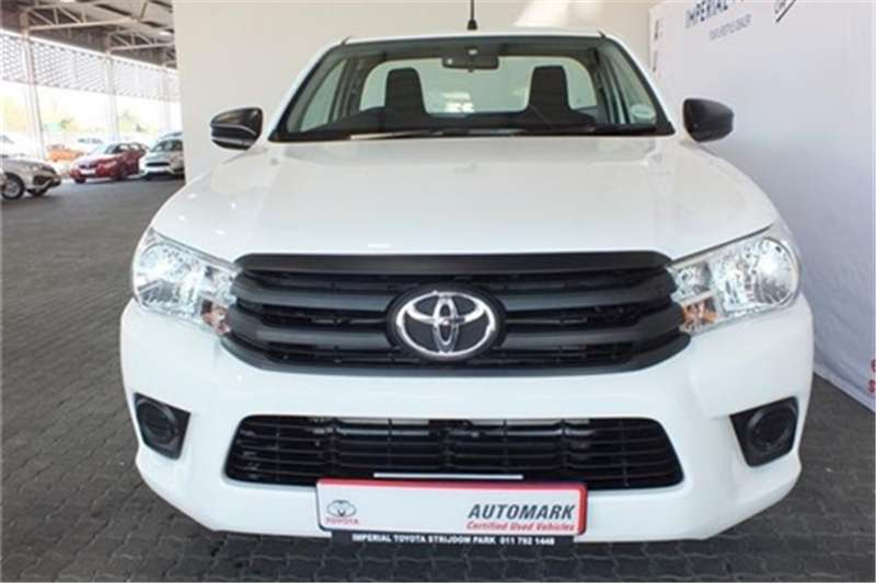 Toyota Hilux 2.4GD (aircon) 2018