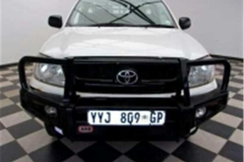 Toyota Hilux 2.5D-4D raised body SRX 2013