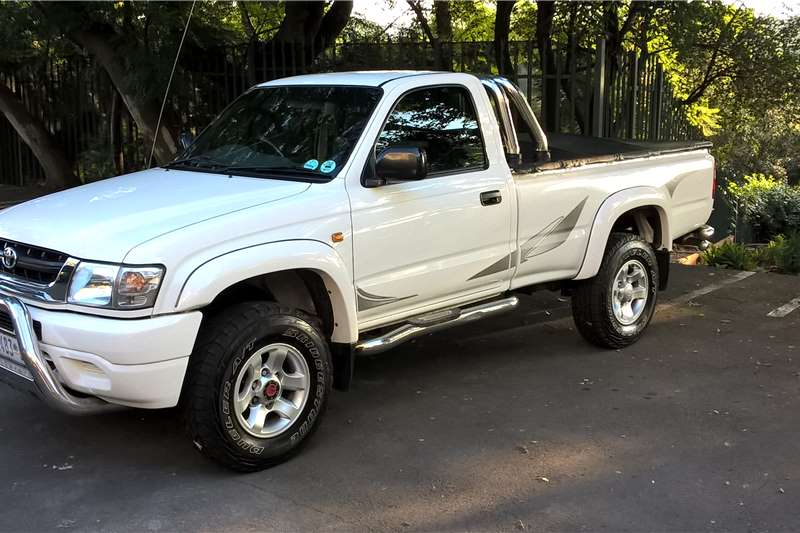 2004 Toyota Hilux 2 7 Legend 35 4x4 Cars For Sale In