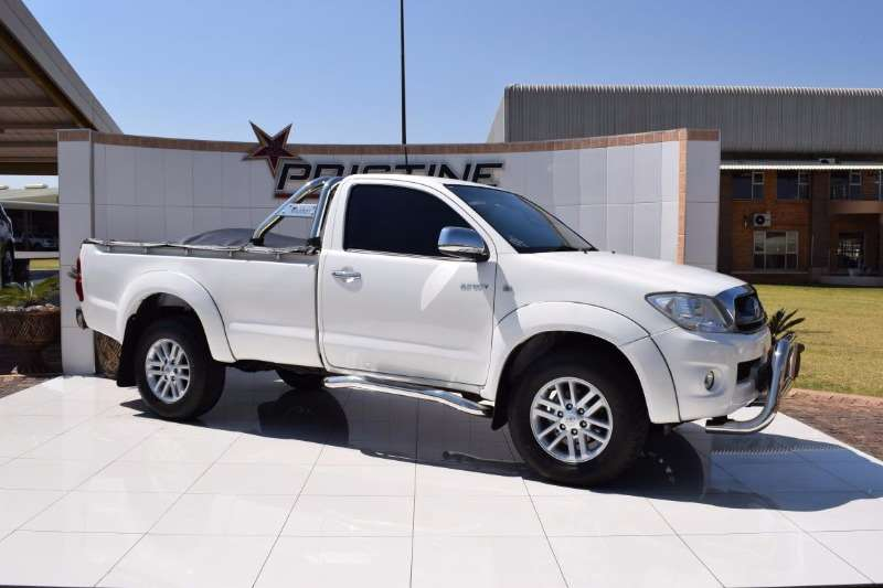2010 Toyota Hilux 2 7 Raider S C Cars For Sale In Gauteng