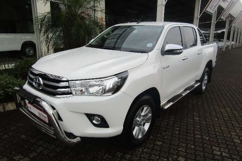 Toyota Hilux 2.8GD 6 double cab Raider 2016
