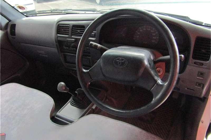 Toyota Hilux 2000 SWB P/U S/C 2001