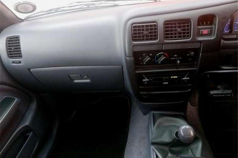 Toyota Hilux 2700i Raider 2003