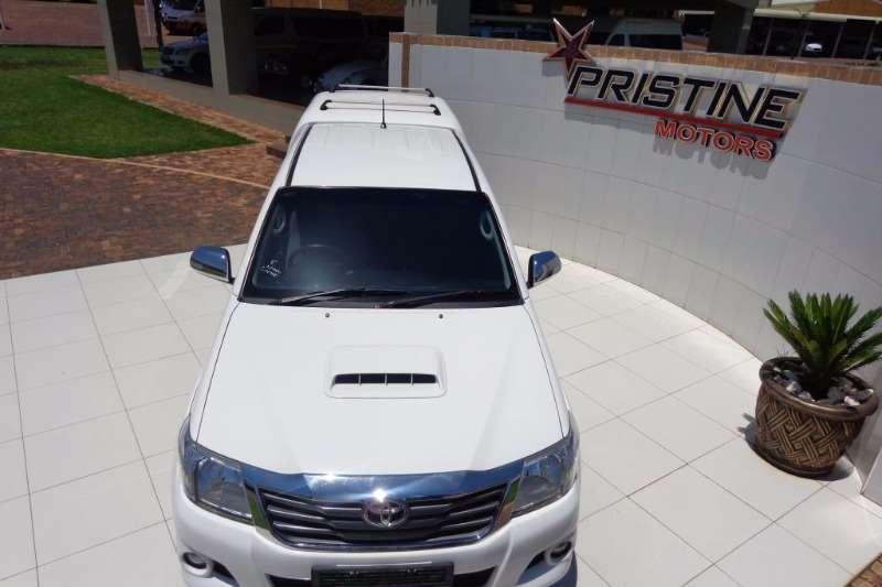 Toyota Hilux 3.0D 4D double cab Raider 2014