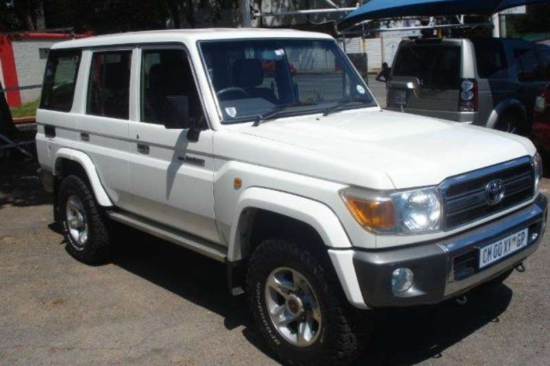 Toyota Land Cruiser 70 >> Toyota Land Cruiser 70 Series 4 2d Station Wagon 2009