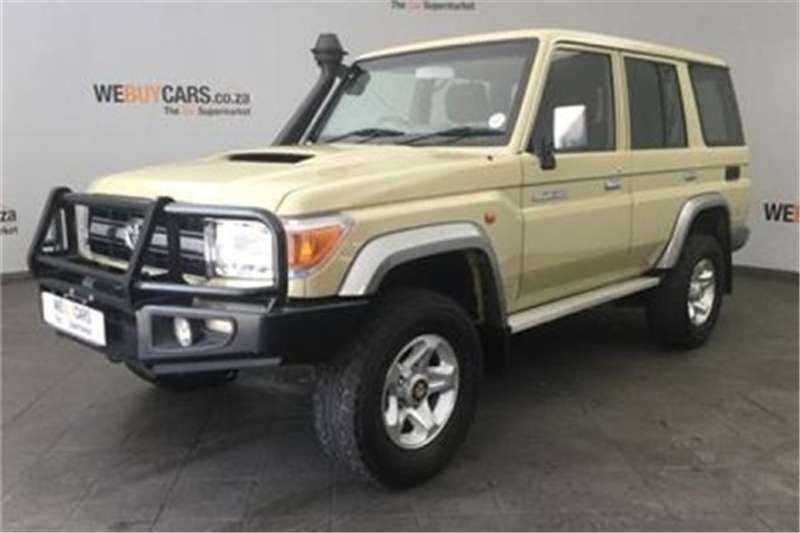 2014 Toyota Land Cruiser 76