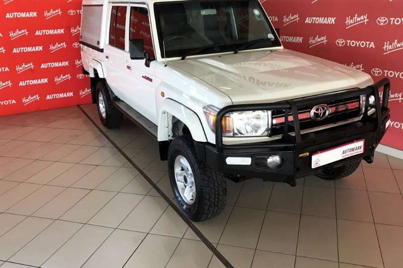 Toyota Land Cruiser 79 4.2D double cab 2015
