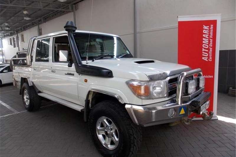 Toyota Land Cruiser 79 4.5D-4D LX V8 Double Cab 2014