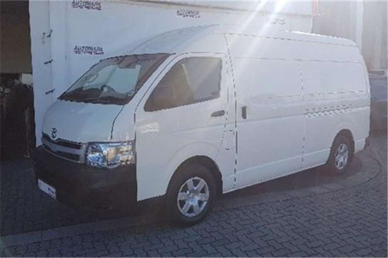 2013 Toyota Quantum 2.7 S Long panel van