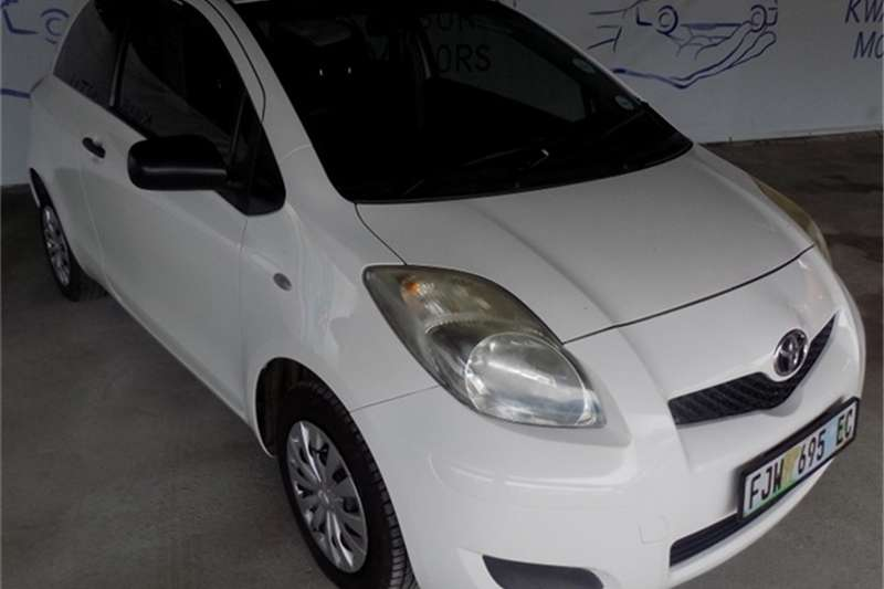 Toyota Yaris 1.0 3-door T1 (aircon+CD) 2010