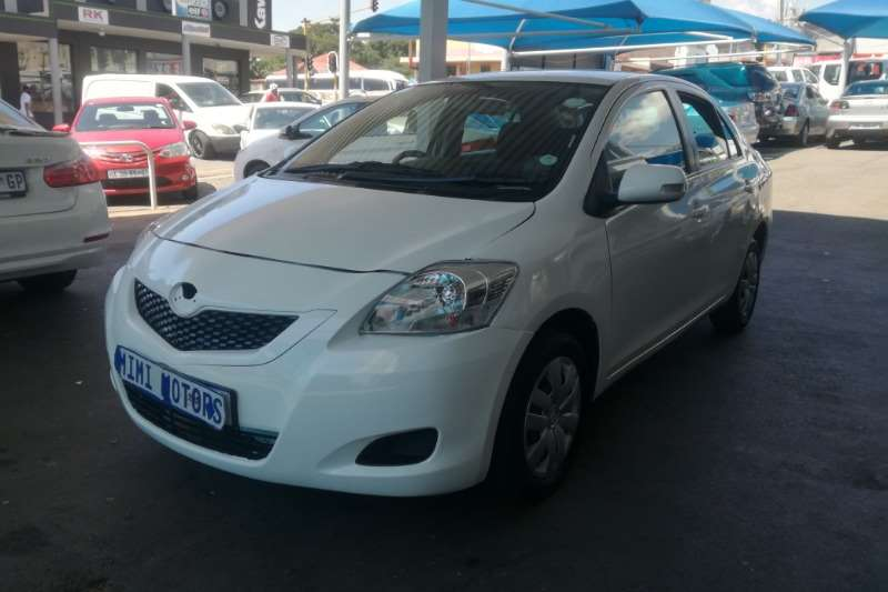 Toyota Yaris 1.0 5 door T1 (Sedan) 2009