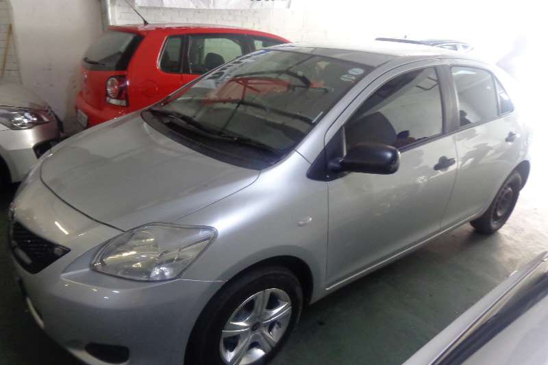 Toyota Yaris 1.3 sedan T3 2011