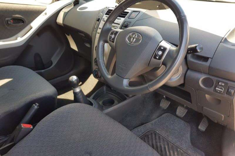 Toyota Yaris 1.3 Zen3 Plus 2011