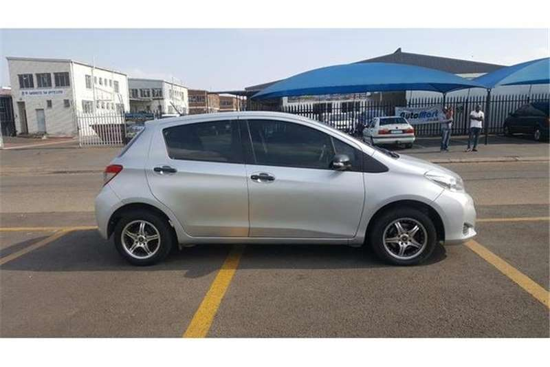 Toyota Yaris 5-door 1.0 XR 2013
