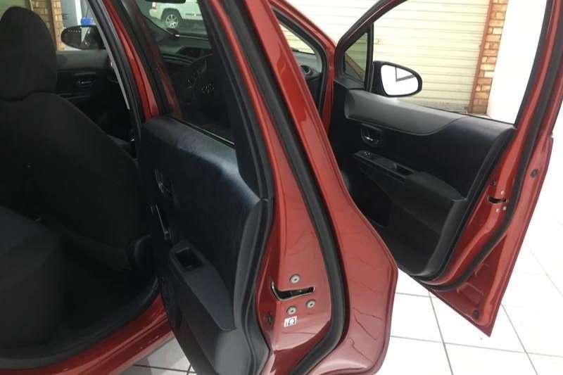 Toyota Yaris 5 door 1.3 Xi 2012