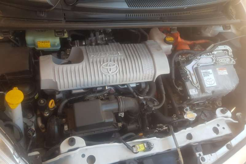Toyota Yaris Hybrid Pulse 2014