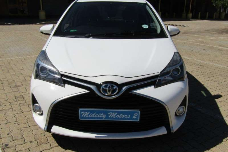 2016 Toyota Yaris Hybrid