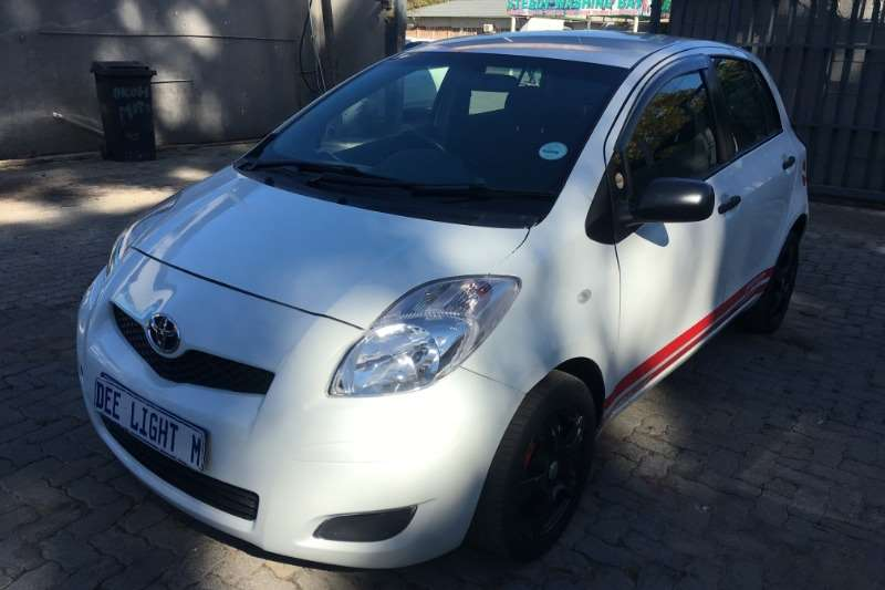 2011 Toyota Yaris 1.3 5 door T3