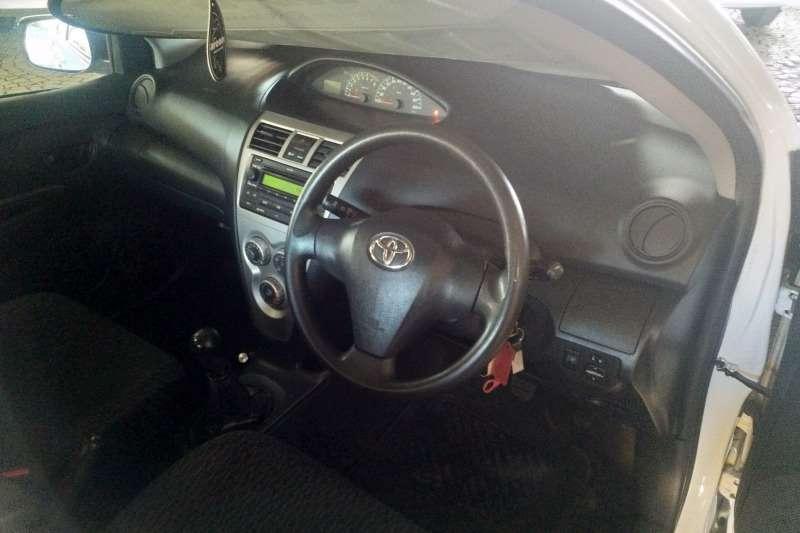 Toyota Yaris sedan Zen3 2012
