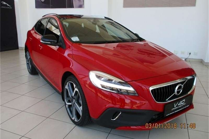 Volvo V40 Cross Country T4 Momentum auto 2018